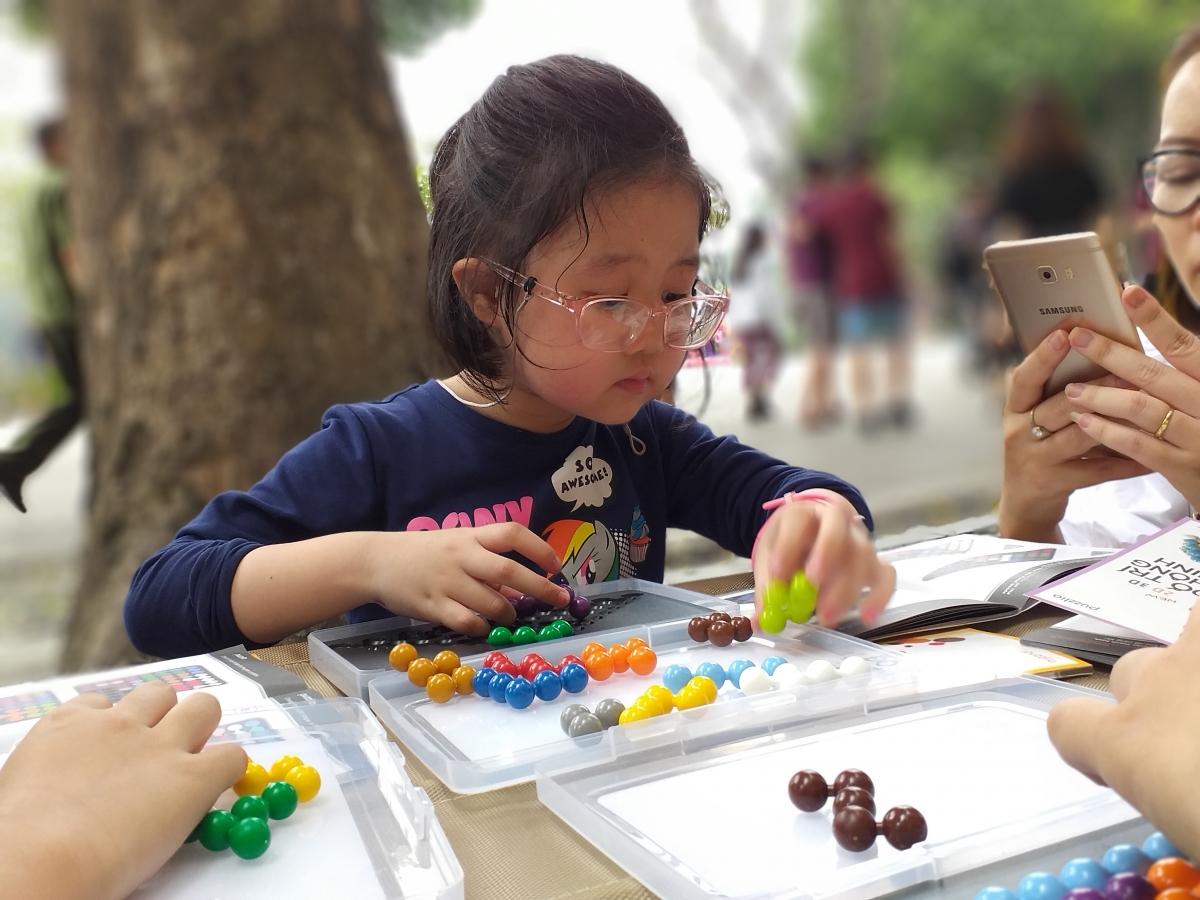 Cai nghiện smartphone cho trẻ nhờ đồ chơi thông minh